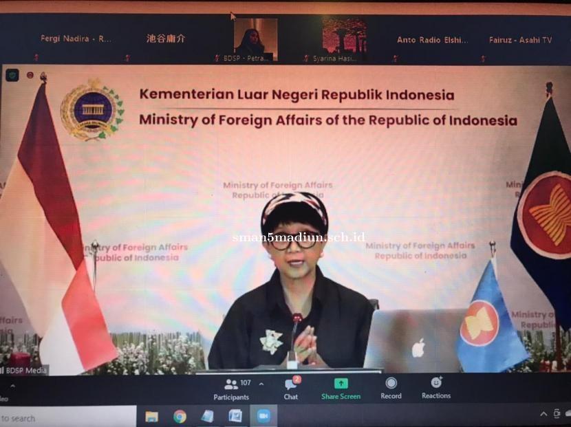 RI Minta Suu Kyi dan Tahanan Lain Dibebaskan